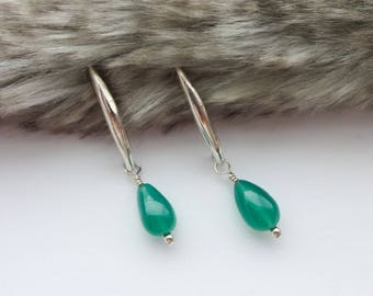 Green Onyx Earrings, Gemstone Earrings, Teardrop shaped Earrings, May Brirthstone, Green Dangle Earrings, Gift for Her, Gift for Mom