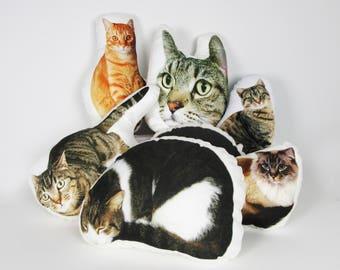 Custom cat pillow - Large 16'' size -  Cat photo pillow - Cat lover gift - Custom cat portrait - Personalized pet pillow - Cat mom - Cat dad
