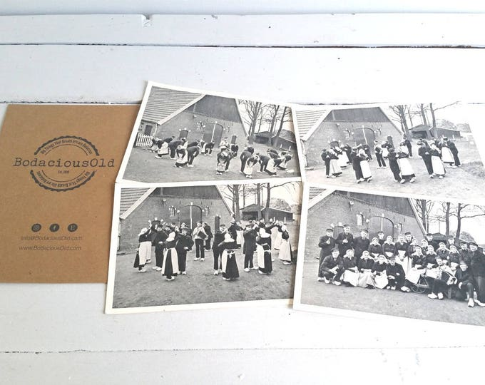 Old post cards 'The Dutch Folklore dance' * vintage postcard * Dutch history * Folklore