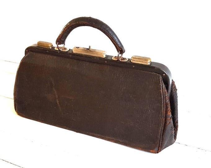 Old leather doctor bag * vintage doctor bag * farmhouse decoration * medical handbag * home decoration