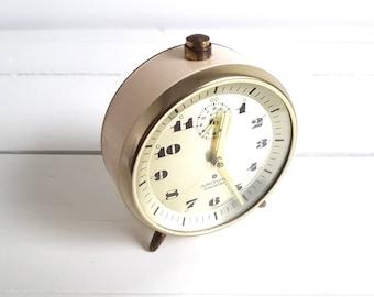 Old alarm clock cream 'Junghans Cavalier'