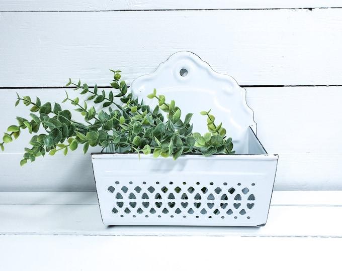 Vintage white enamel onion tray • vintage onion wall container white enamel • white enamel wall decoration • enamel kitchen wall rack