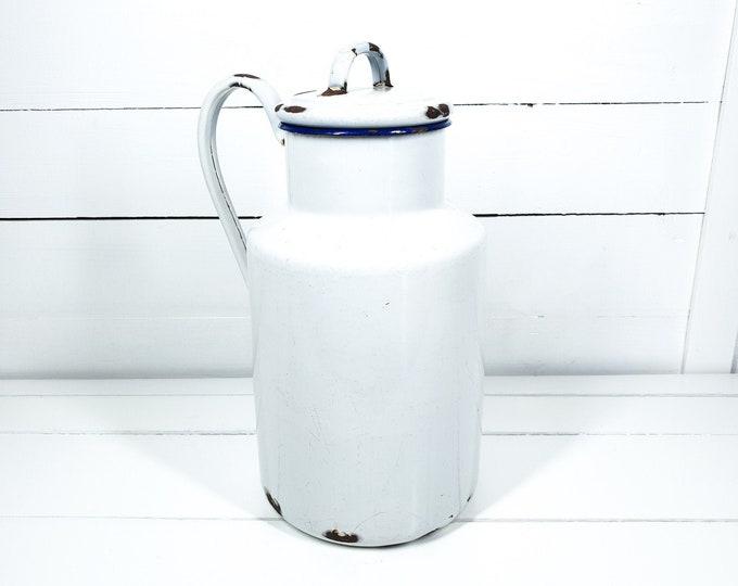 Vintage white enamel milk can with handle • vintage milk jug • country farmhouse milk container • white farmhouse kitchen decoration