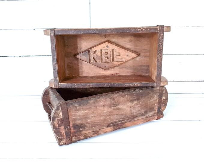 Vintage wooden single brick mould • rustic wood stone mould • storage box case • wood centerpiece • cottage farmhouse decor