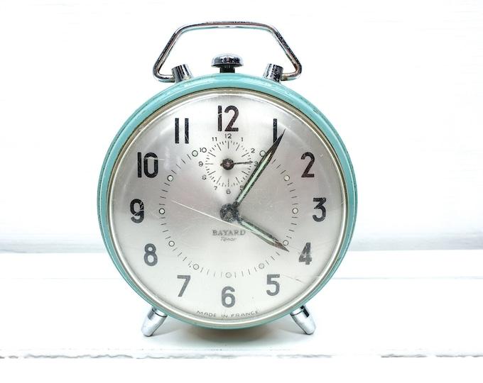 Vintage alarm clock pastel green Bayard France • windup alarm clocks • decorative clock • desk clock • collectors clock • Boho home decor