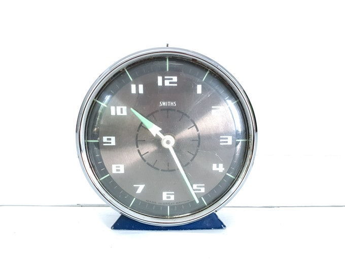 Vintage Smiths Great Britain alarm clock • old alarm clocks • decoration clocks • home decoration accents blue • collectible alarm clock