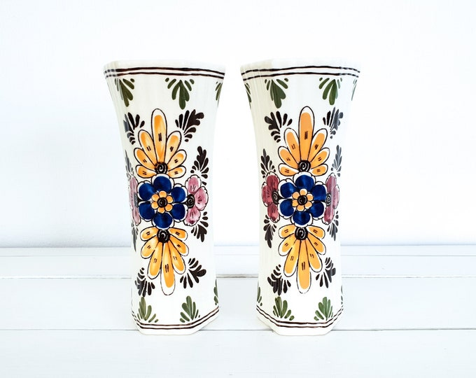Hand painted Delft Holland vase • Delft trumpet vase • Delftware pottery vase • Dutch pottery