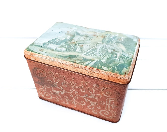Old French rusty tin can farmers • vintage tin farm • tin canister • old tins • tin collectors • tin box