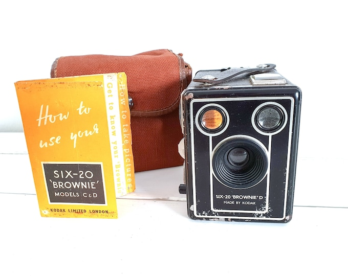 Vintage old photo camera Kodak Brownie SIX-20 model D • old Kodak camera 1946 • old box camera • decorative home accent • vintage props
