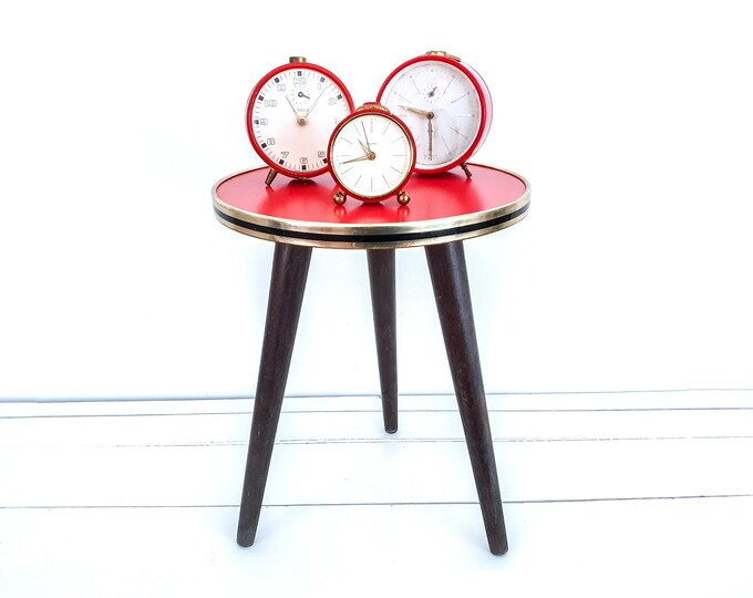 Vintage small formica table round • small vintage furniture • side table small • red formica • 1960's • plant stand