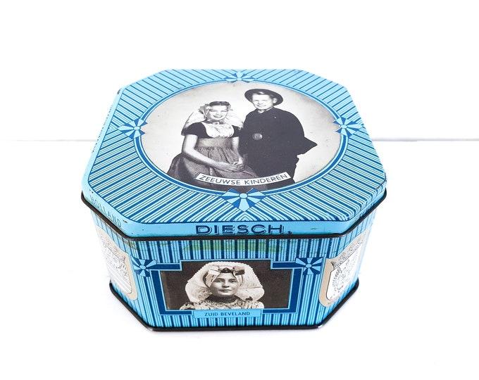 Vintage tin Dutch blue Diesch Zeeland caramels • old tin boxes • Dutch traditional costumes • typical Dutch candy tin box • Dutch sweets tin