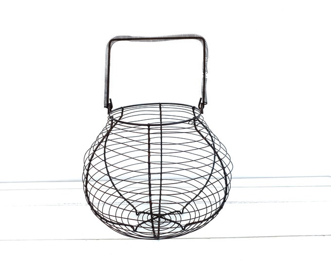 Vintage French round wire basket with handle • fruit basket • fruit bowl • farmhouse egg basket • kitchen storage • fixer upper style