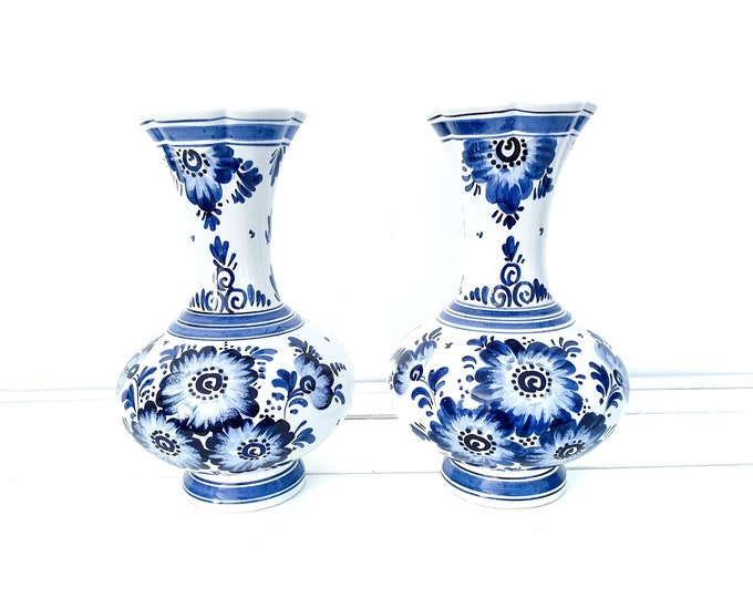 Delft blue pottery vase handpainted • Delft decorative vase • Delftware blue and white vase • Delftware pottery • farmhouse style