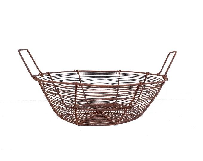 Vintage French round wire basket • fruit basket • fruit bowl • industrial farmhouse • egg basket • kitchen storage • fixer upper style