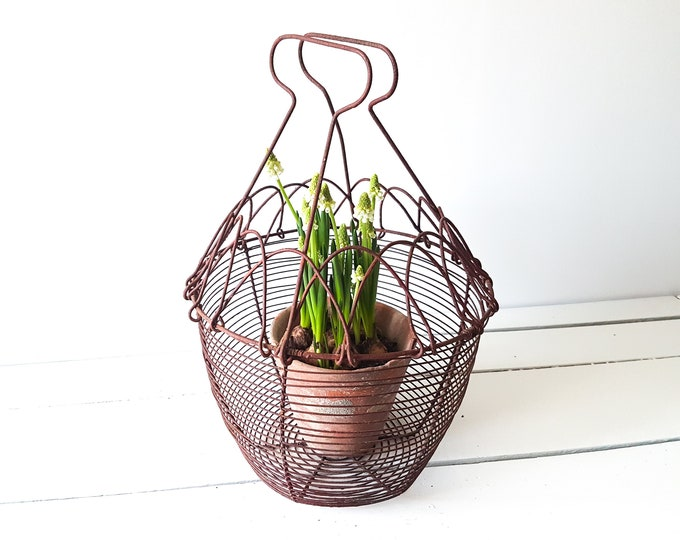 French vintage metal kitchen basket * vintage egg basket * easter and spring decoration * metal wire basket with handle * farmhouse kitchen