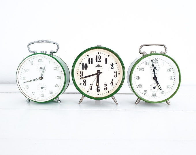 Vintage green alarm clocks • Cute vintage alarm clock green • antique mechanical alarm clock • Velona Wuba • vintage interior decoration