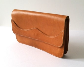 Vintage country style natural leather clutch * vintage fashion accessories * leather pouch * little leather bag * envelope bag