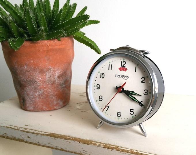 Vintage silver alarm clock 'Trophy'