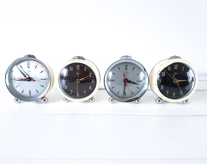 Vintage set of alarm clocks black silver Diamond • retro time clocks • retro living • decoration clocks
