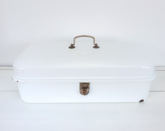 Beautiful white enamel rectangular bread box with blue trim • vintage white enamel bread bin • vinterior • country farmhouse kitchen storage