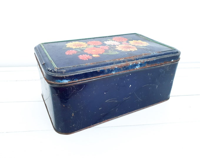 Vintage French dark blue storage tin Flowers • French blue livingroom decoration • tin storage container with lid • country farmhouse decor