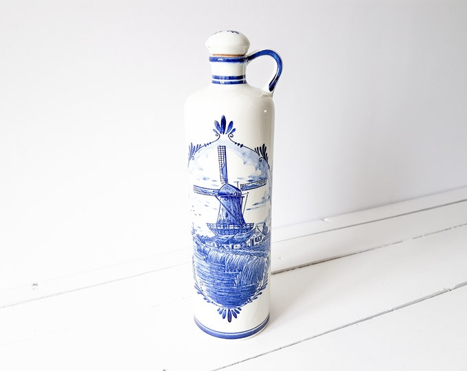 Vintage delft blue jug with cork stopper * handmade Holland * vintage gin jug 'Bols' * vintage pottery * Dutch folklore