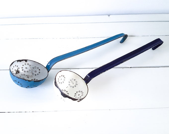 Vintage enamel ladle/skimmer • country kitchen utensils • enamelware skimmer • shabby chic living