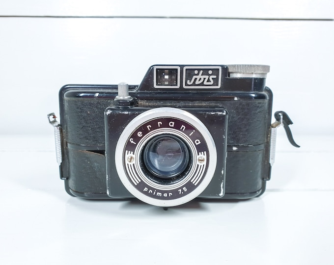 Vintage old photo camera Ibis Ferrania primar 7.5 • old Italian camera • old display camera • decorative home accent • vintage props