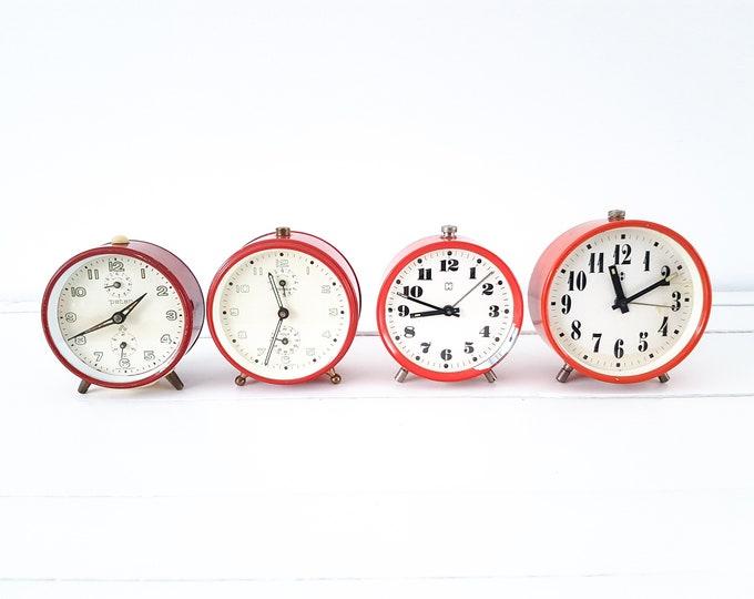 Vintage red alarm clock • old alarm clocks • Peter Wehrle Hema • desk clock • vintage home accessories