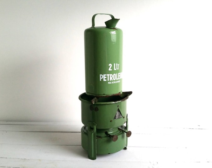 Vintage Dutch enamel petroleum kit * green enamelware * farmhouse decoration * Dutch history