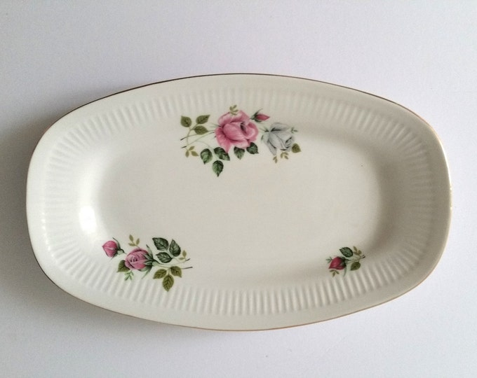 Lovely vintage porcelain serving dish 'roses'