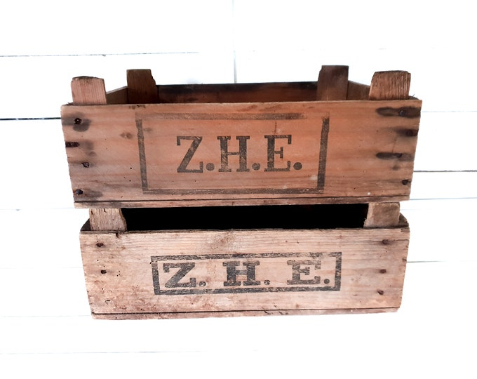 Vintage wooden harvest crate Z.H.E. • wooden auction crate • fruit crate • farmhouse decor • display tray • rustic wood crates • storage box