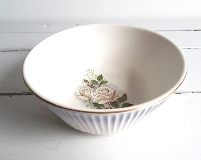 Beautiful vintage Dutch Gouda ceramic bowl 'Flora'