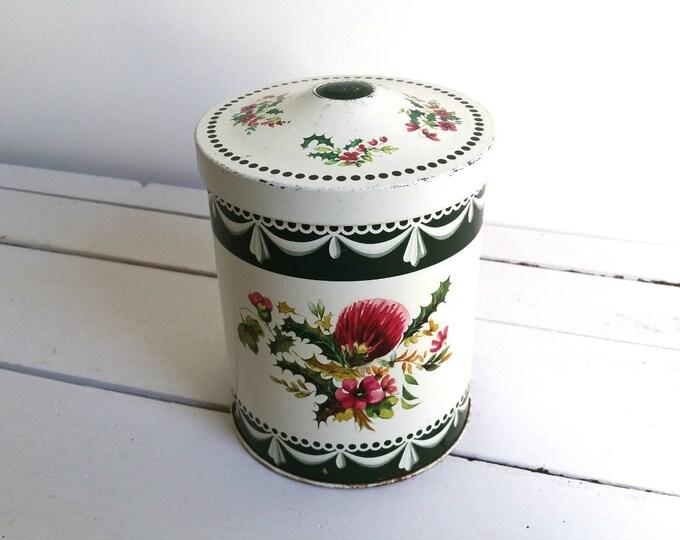 Large Chabby chic vintage decoration tin