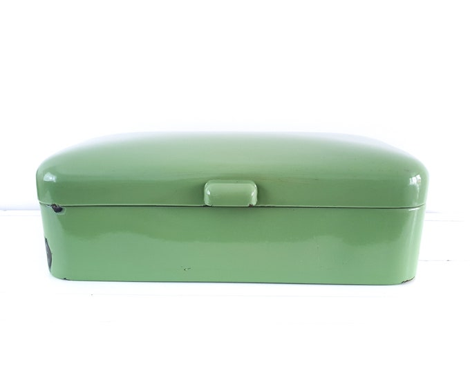Beautiful green enamel rectangular bread box • vintage reseda green and white enamel bread bin • vinterior • cottage kitchen storage