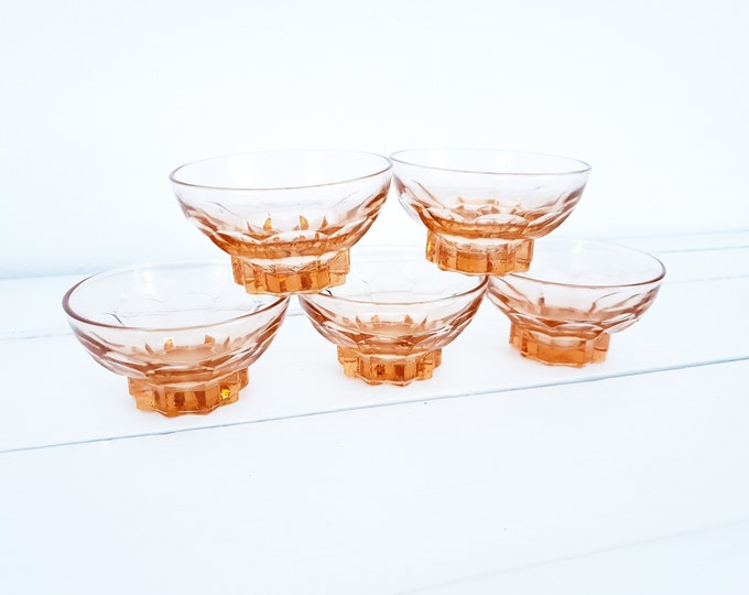 Vintage French pink dépression glass bowls • vintage art deco glassware 1950s • pink glass bowl (set of 5)