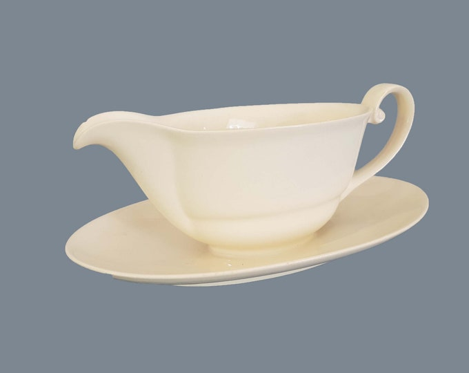 French vintage gravy boat with plate • sauce bowl with plate • French vintage tableware • shabby chic • white farmhouse decor