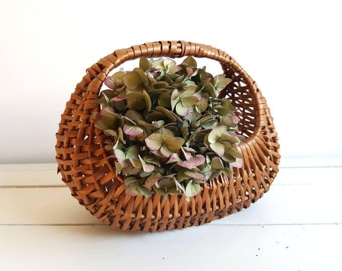 Old woven harvest basket with handle * vintage picking basket * wicker flower basket * vintage farmhouse decoration * storage basket