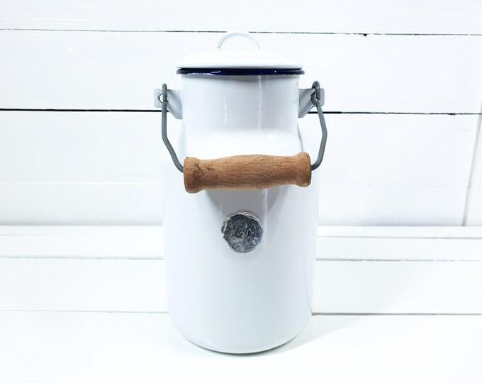 Vintage white enamel milk can with handle • vintage milk jug • country farmhouse decoration • farmhouse kitchen decoration