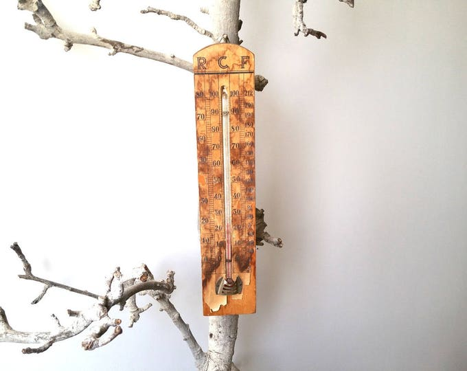 Awesome vintage rustic wooden thermometer