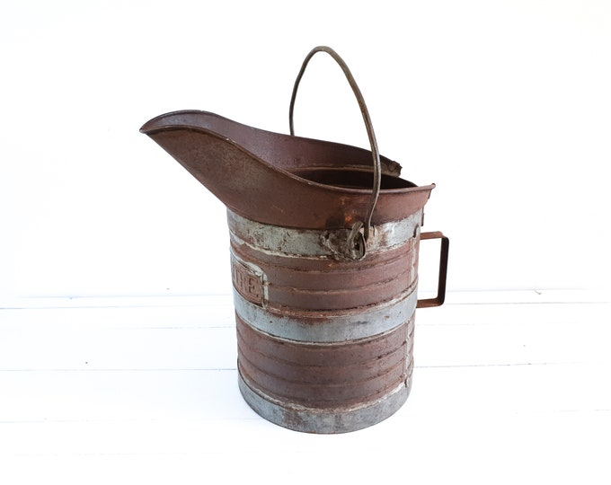 Old French grain bucket with handle Decalitre • vintage industrial metal bucket • rusted bucket • French farmhouse hallway decoration