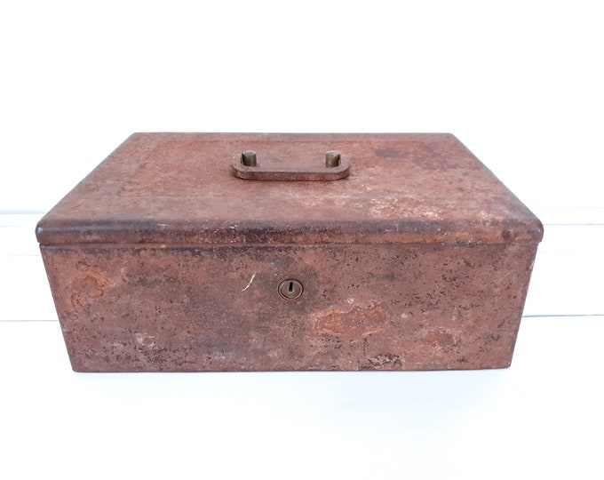 Vintage metal money box • rusted money box • industrial metal case • industrial home decor • treasure chest • old safe • storage box
