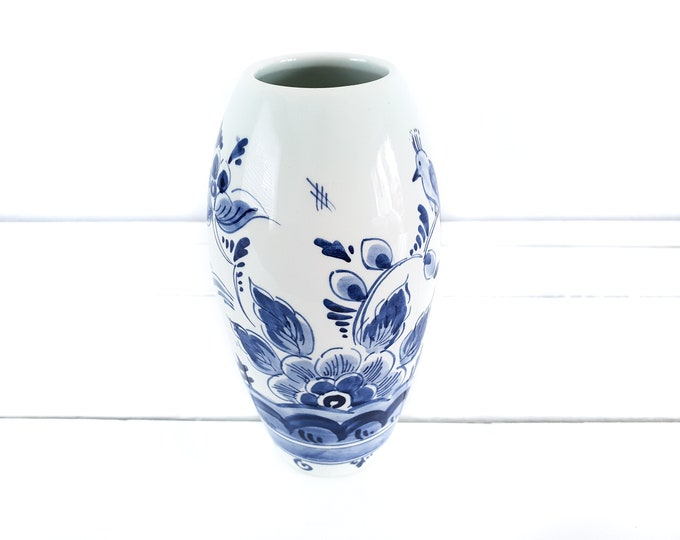 Delft blue pottery vase handpainted • Dutch Delfts blauw • Delftware white and blue vase • Delftware pottery • farmhouse style vase
