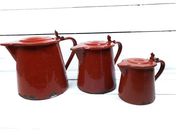 Vintage enamel milk pitcher burgundy (set of 3) • milk jug • red enamelware • little teapot • vintage decor • French kitchenware
