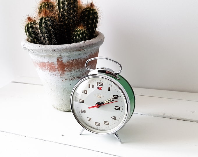 Vintage alarm clock green * old clocks * collectible alarm clock * vintage home decoration * made in China