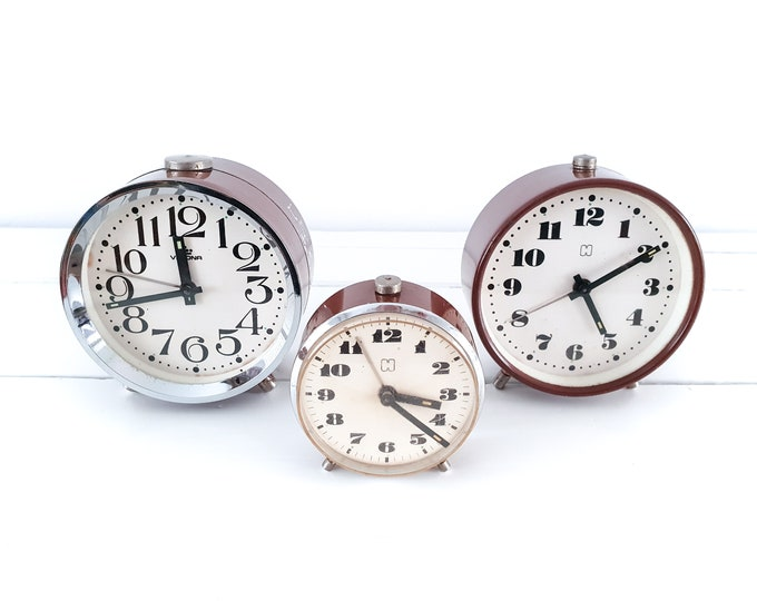 Vintage brown alarm clocks • cute vintage alarm clock brown • antique mechanical alarm clock • Velona Hema • vintage interior decoration