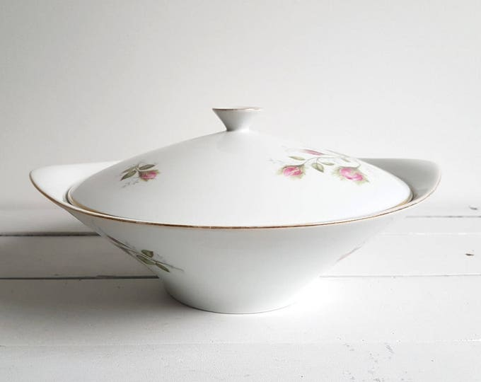 Beautiful old classic porcelain serving dish with lid 'roses'