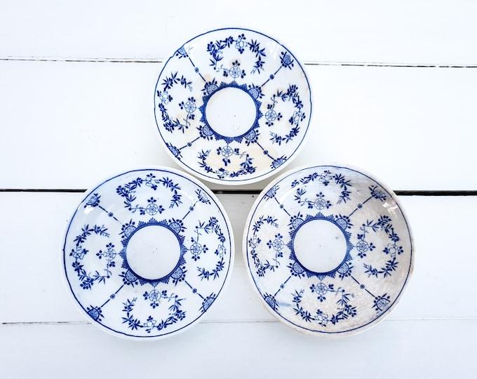 Vintage crackle glazed Saxony blue bowls (set of 3) • antique saks blau tableware • indian blau bowl • craquelé earthenware