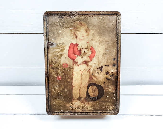 Antique tin with lock De Beukelaer Antwerp • antique biscuit tin • old tin boxes • Antwerp biscuit town • french colonial home accent