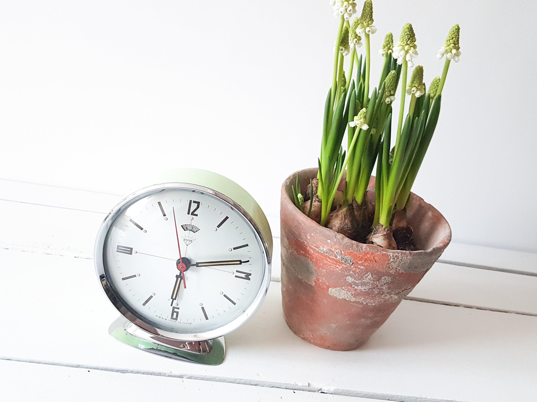 Vintage alarm clock pastel green * old clocks * collectible alarm clock ...
